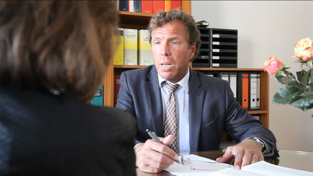 DIPL.-KFM. ANDREAS BECKERvereidigter Buchpr�fer & Steuerberater